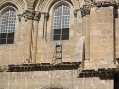 According to the myth, this ladder represents the extreme inability to compromise that characterizes the Church of the Holy Sepulcher.